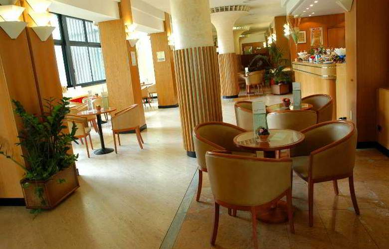 Alliance Hotel Bologna - Bar - 6