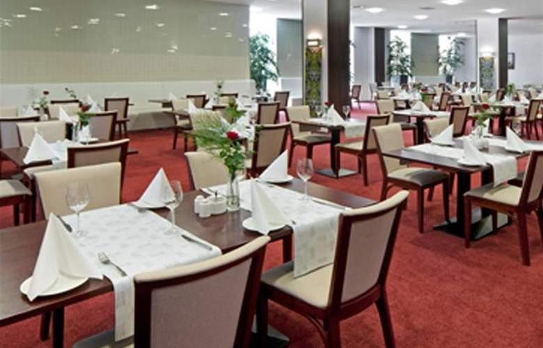 Best Western Premier - Restaurant - 38