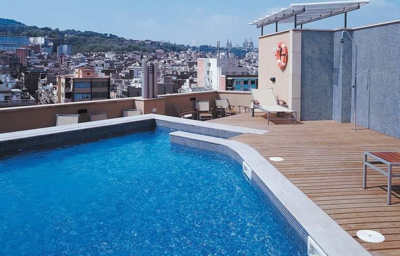 Barcelona Universal - Pool - 57