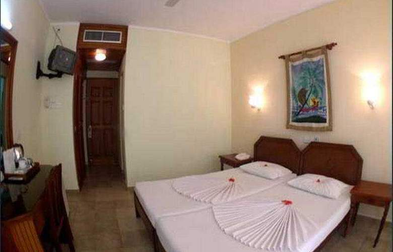 Goldi Sand Negombo - Room - 2