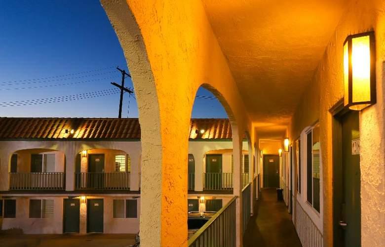 Dunes Inn - Sunset - Hotel - 10