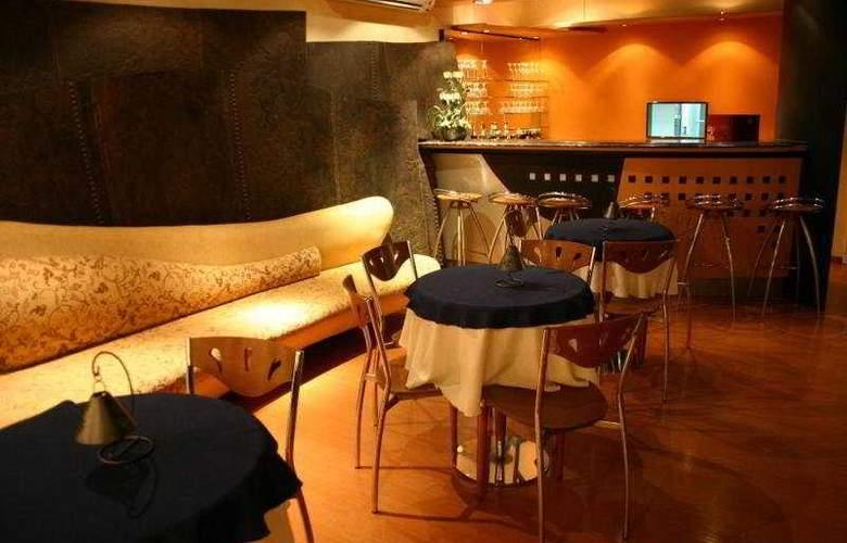 Pocitos Plaza Hotel - Bar - 7