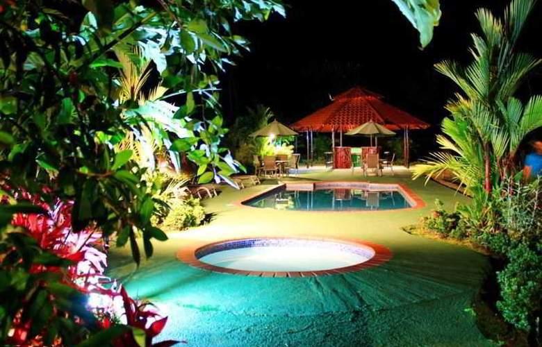 GreenLagoon Wellbeing Resort - Pool - 25