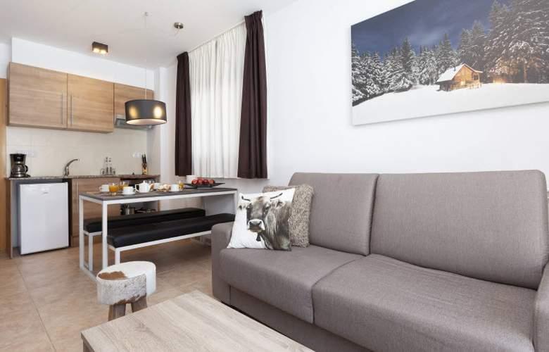Apartamentos Segle XX - Room - 2
