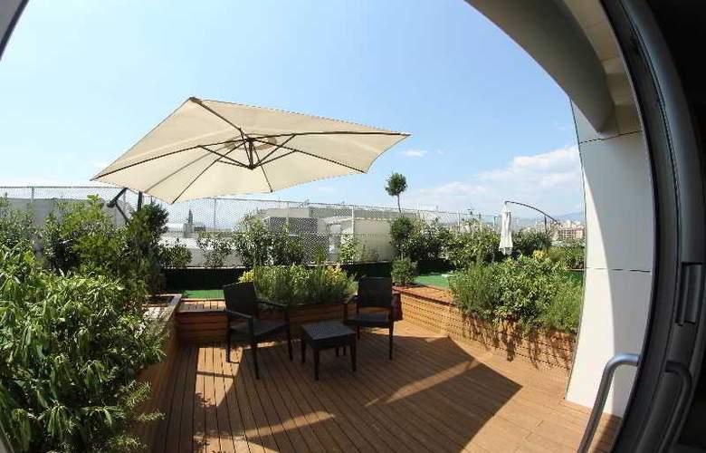 Ramada Podgorica - Terrace - 14