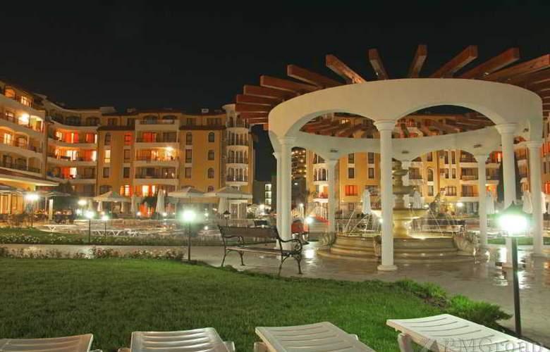 Royal Sun Complex - Hotel - 0