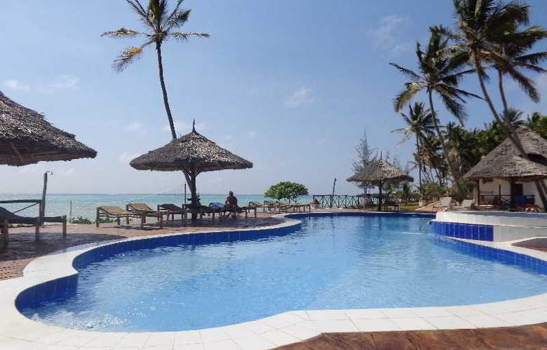 Reef & Beach Resort - Pool - 1