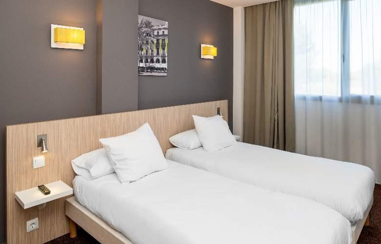 Bluebay City Barcelona Sant Cugat - Room - 9