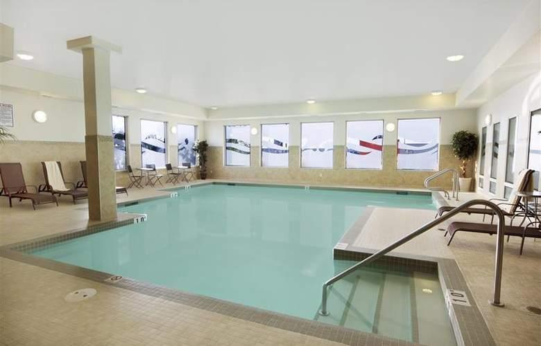 Best Western Plus The Inn At St. Albert - Pool - 130