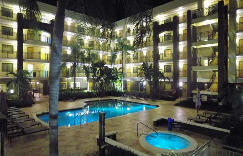 BW Deerfield Beach Hotel & Suites - Pool - 101