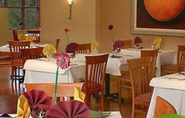 Holiday Inn & Suites Sawgrass Mills - Restaurant - 6