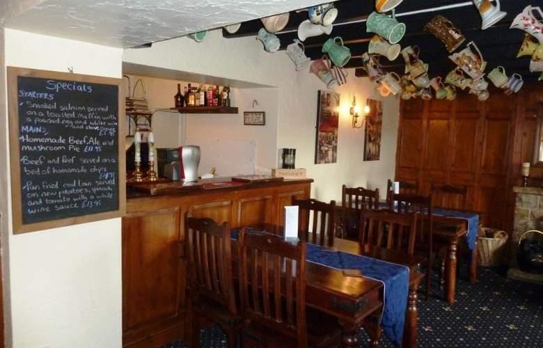 Ganton Greyhound Inn - Bar - 10