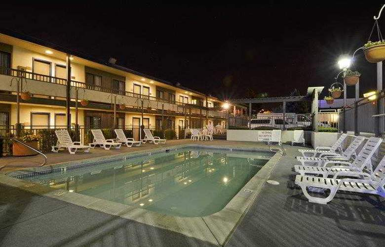 Best Western Airport Inn - Hotel - 2