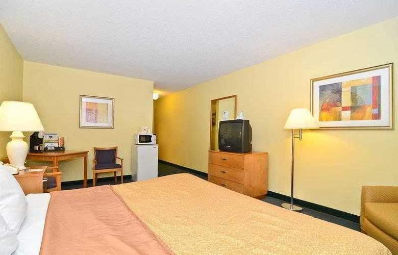 Best Western Ambassador Inn & Suites - Hotel - 29