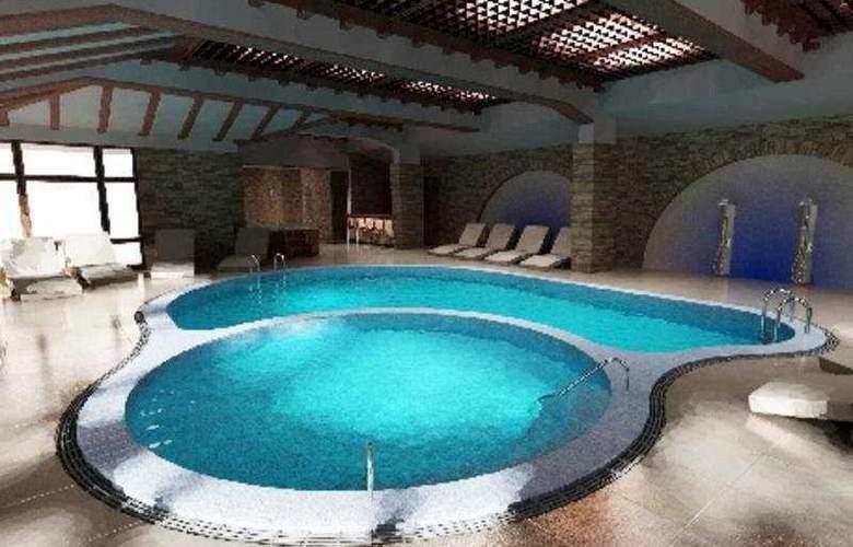 Perelik Palace - Pool - 7