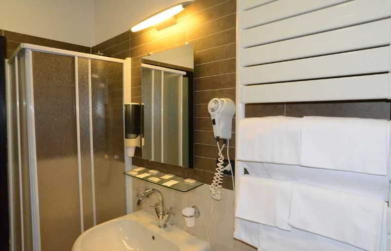 MSN Hotel Galles Genova - Room - 11