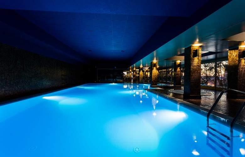 Santana - Pool - 11