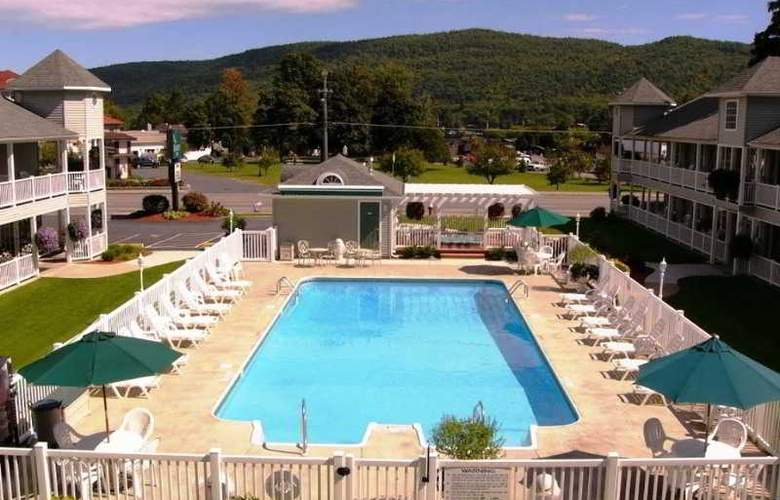 Quality Inn Lake George - Pool - 2
