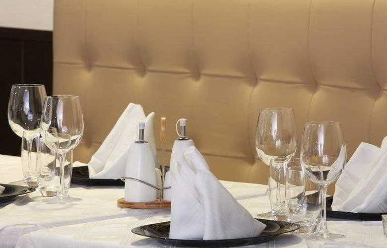 Best Western Plus Liberte Hotel - Hotel - 17