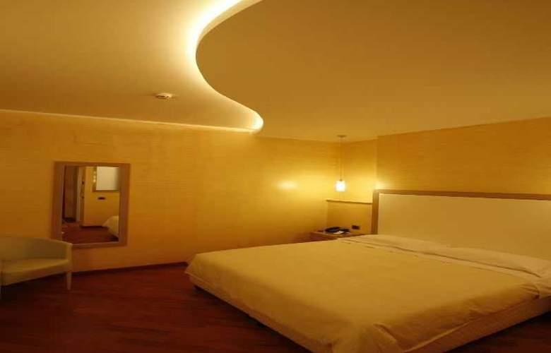 Villa Esperia - Room - 1