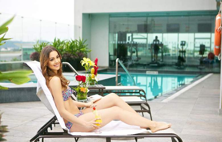 Hotel Holiday Inn Guayaquil Airport - Pool - 6