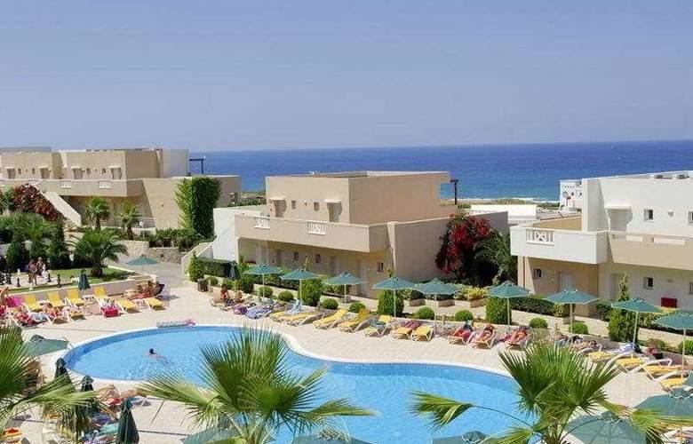 Grand Hotel Holiday Resort - Pool - 7