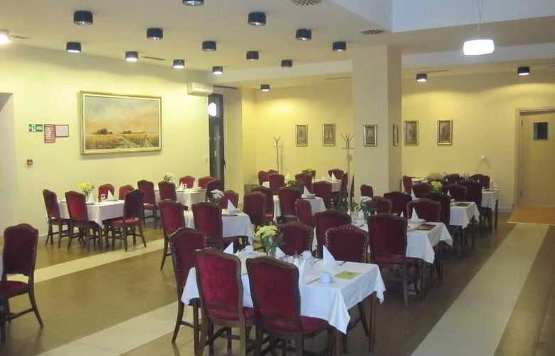Hotel Vojvodina - Restaurant - 3