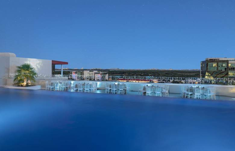 Four Points by Sheraton Cancun Centro - Pool - 19