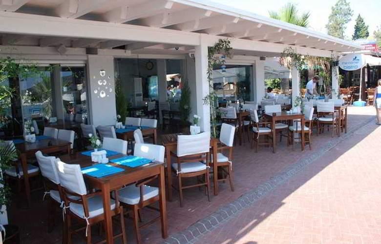 The Corner Boutique Hotel - Restaurant - 10