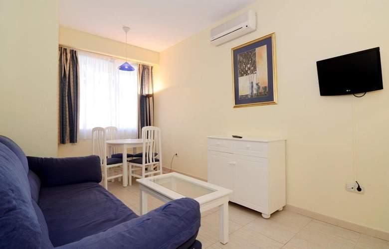 Pyr Fuengirola - Room - 14