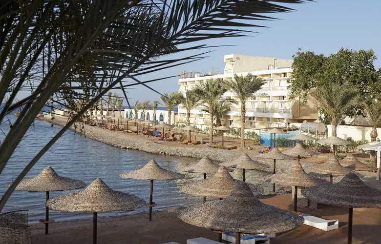 The Three Corners Royal Star Beach Resort - Beach - 35