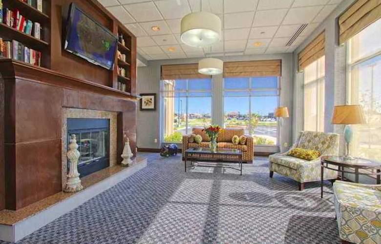 Hilton Garden Inn Tulsa Midtown - Hotel - 1