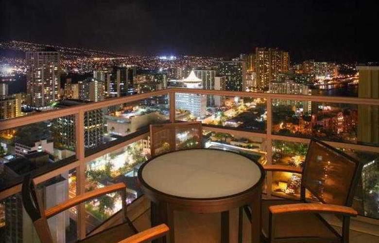 Trump International Hotel & Tower Waikiki - Terrace - 10