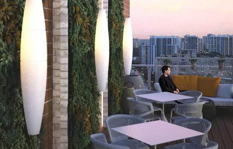 ME Miami - Terrace - 6