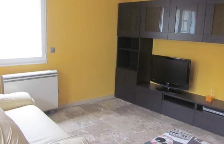 Apartamentos Camilo - Room - 7