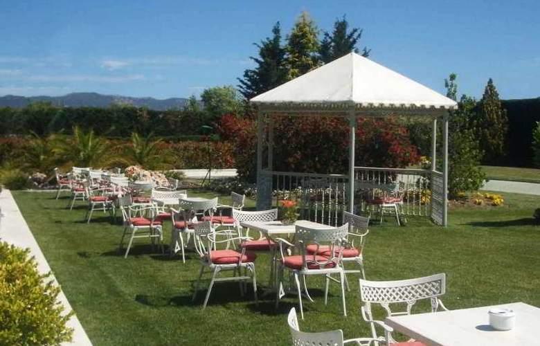 Gran Hotel Attica21 Las Rozas - Terrace - 8