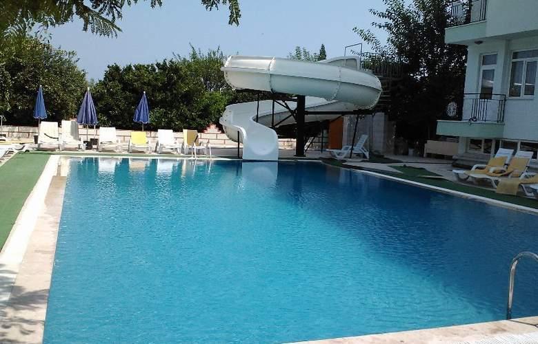 Gonul Palace Hotel - Pool - 5