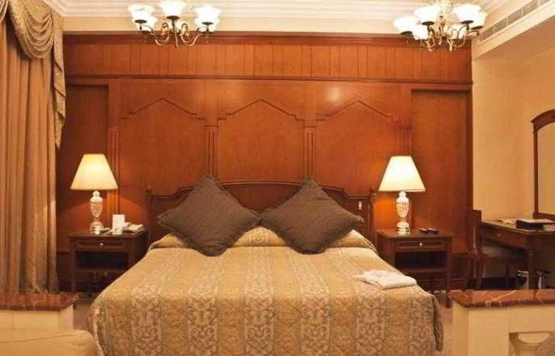 Regent Palace - Room - 10