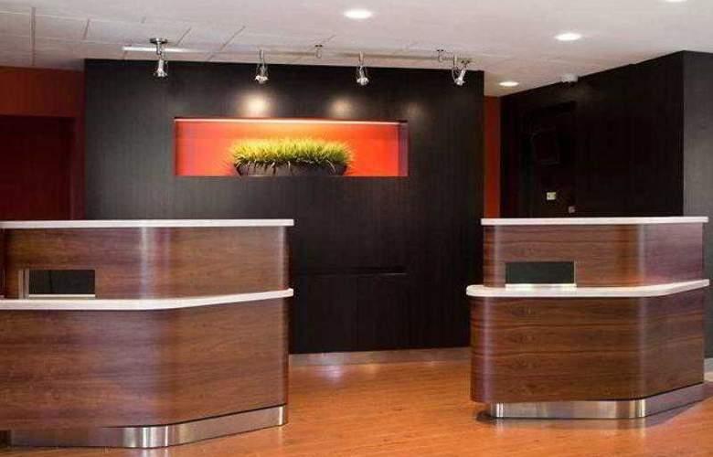 Courtyard San Francisco Airport - Hotel - 9
