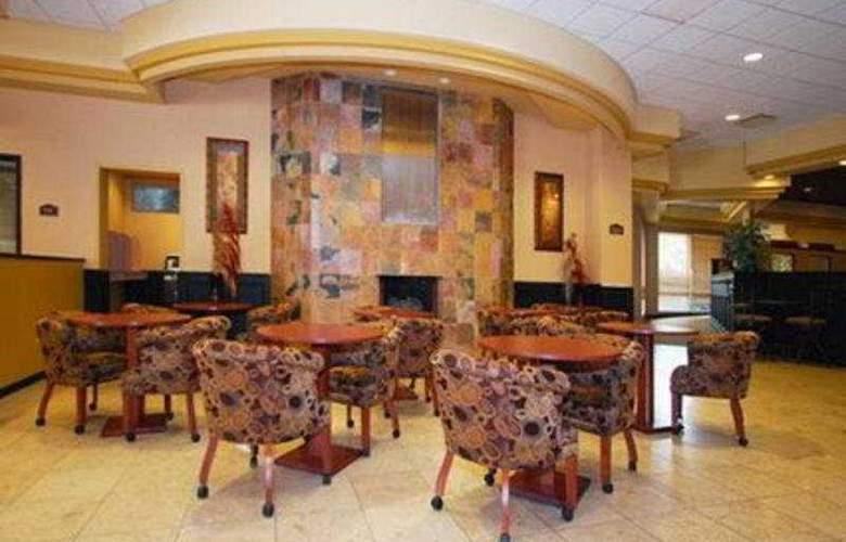 Clarion Hotel Colorado Springs Downtown - General - 3