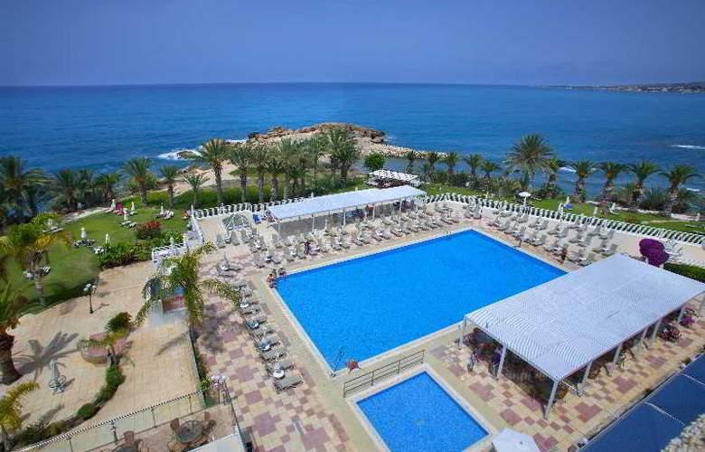 Queen's Bay - Hotel - 12