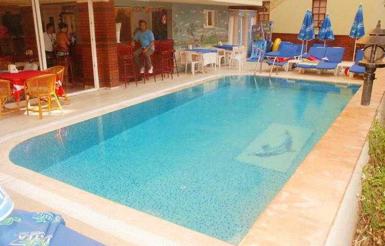 Ozcan - Pool - 5