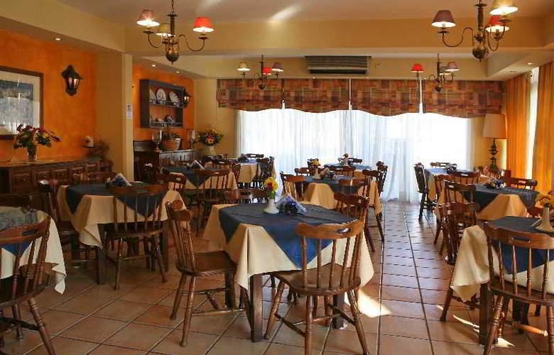 Estella Apartments - Restaurant - 16