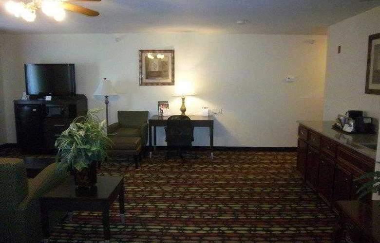 Best Western Greentree Inn & Suites - Hotel - 0