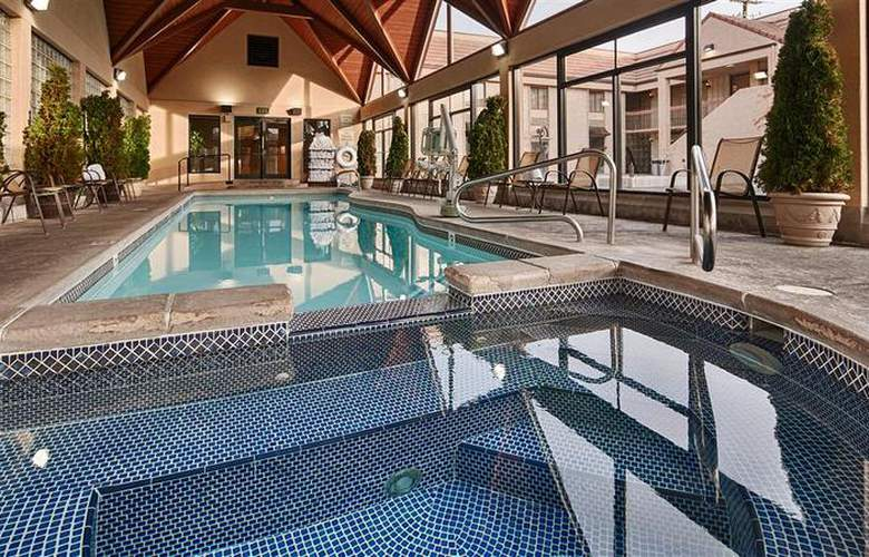Best Western Town & Country Inn - Pool - 95