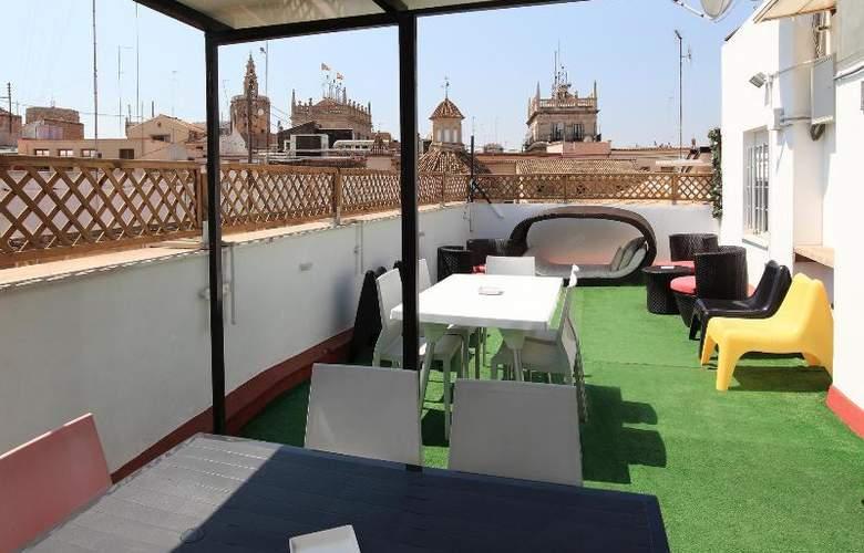 Youth Hostel Center Valencia - Terrace - 16