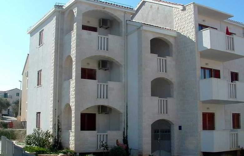 Apartman Klara - Hotel - 0