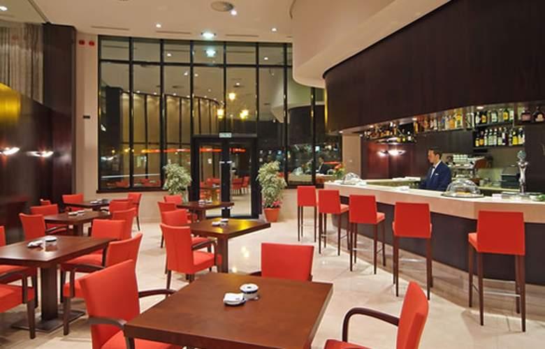 Exe Oviedo Centro - Restaurant - 4