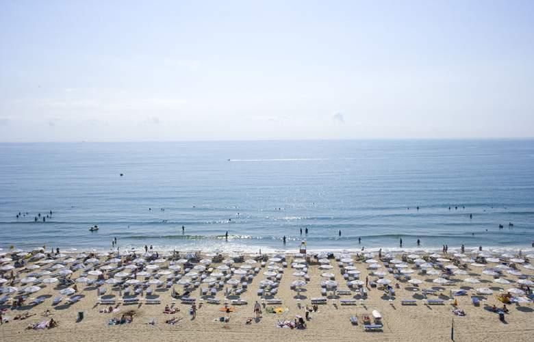 Evrika Beach Club - Beach - 27