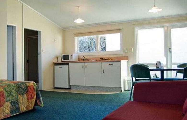 Ambassador Motor Inn Tauranga - Room - 2